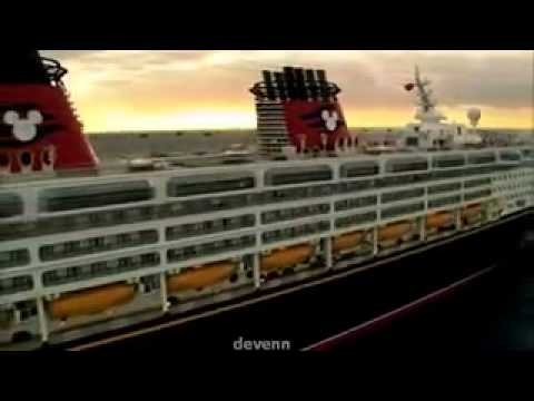 Disney Cruise Line [FLO] - The Disney Wonder Cruise Ship At Sea.240.mp4 Круизный лайнер в шторм. Морские круизы. Cruise ship in a storm. Sea cruises