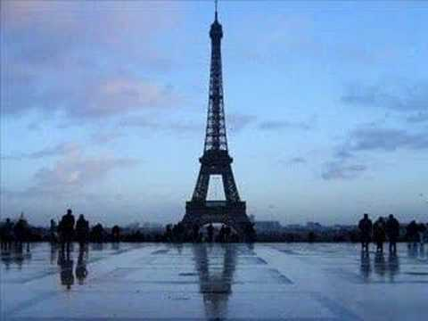 Mireille Mathieu - Sous le ciel de Paris Il pleut a Paris video